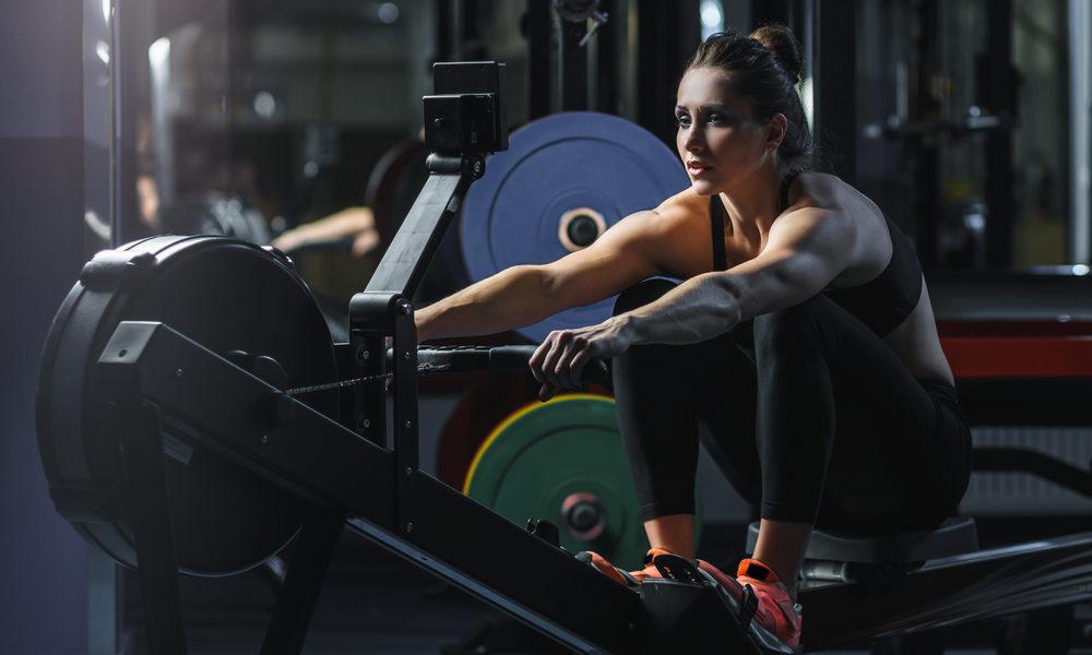 exercices avec un rameur pour les sportif